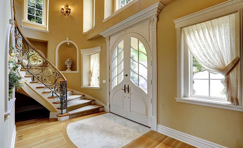 Interesting Ways to Spice up Your Hallway